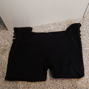 Black SO Yoga Capri Leggings sz M